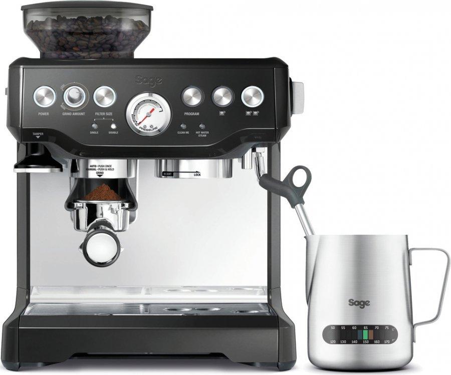 Kávovar s vodovodním kabelem